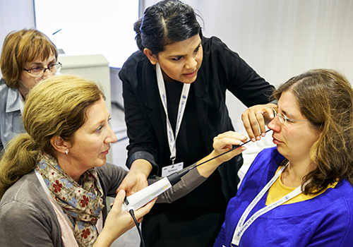 Hands-On-Kurs beim FEES-Seminar 2015 auf dem DGN-Kongress in Düsseldorf (c) DGN/Rosenthal